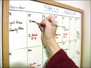 dry erase whiteboard calendar DIY